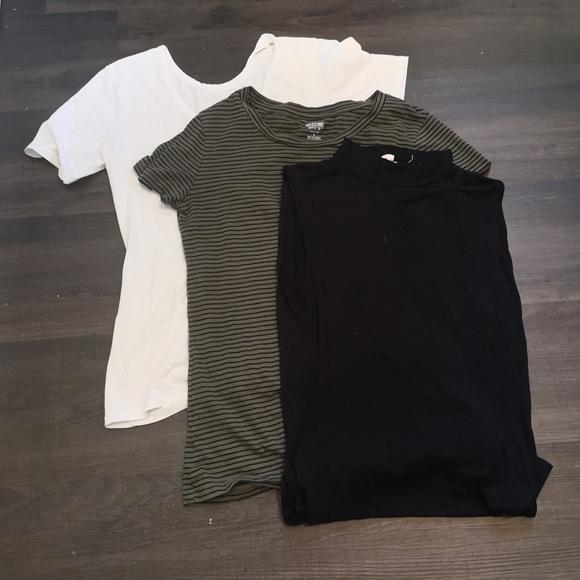 T shirt tank top bundle lot white green black